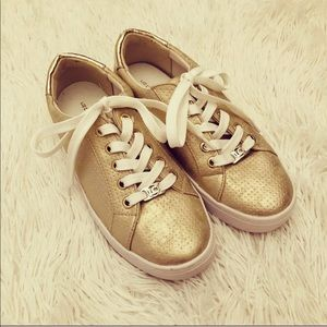 Liz Claiborne gold canvas sneaker